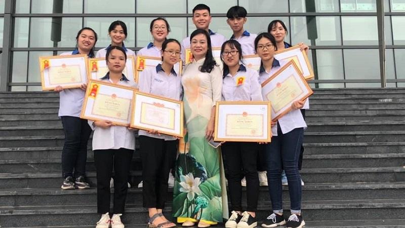 Đoạt 20 giải Học sinh giỏi Quốc gia, 1 lớp học ở Vĩnh Phúc được thưởng gần nửa tỷ đồng