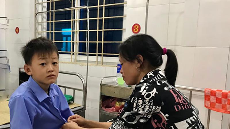 Lào Cai: 56 học sinh bị ngộ độc thực phẩm sau khi ăn trưa tại trường