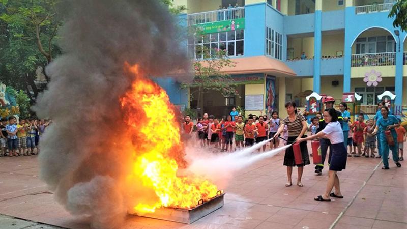 Trẻ sẽ được giáo dục phòng cháy chữa cháy ngay từ cấp mầm non