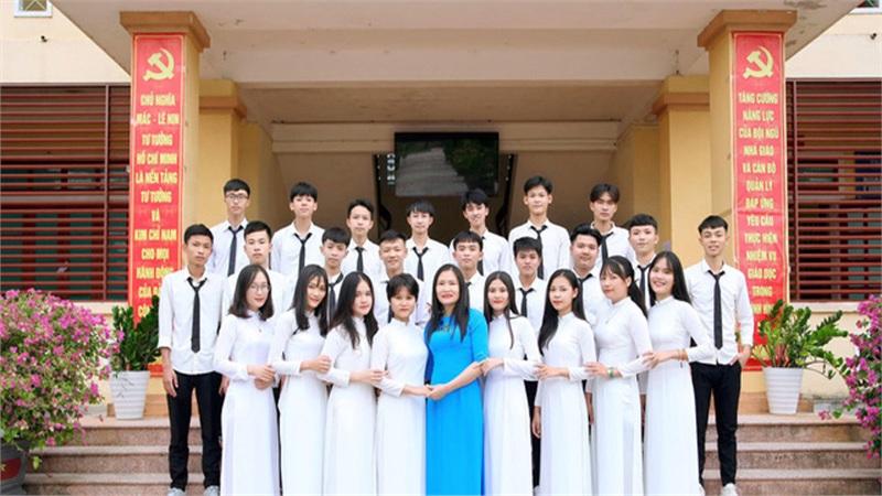 Hà Tĩnh: Lớp học vùng biển có tất cả học sinh đạt điểm 'khủng' trong kỳ thi đại học