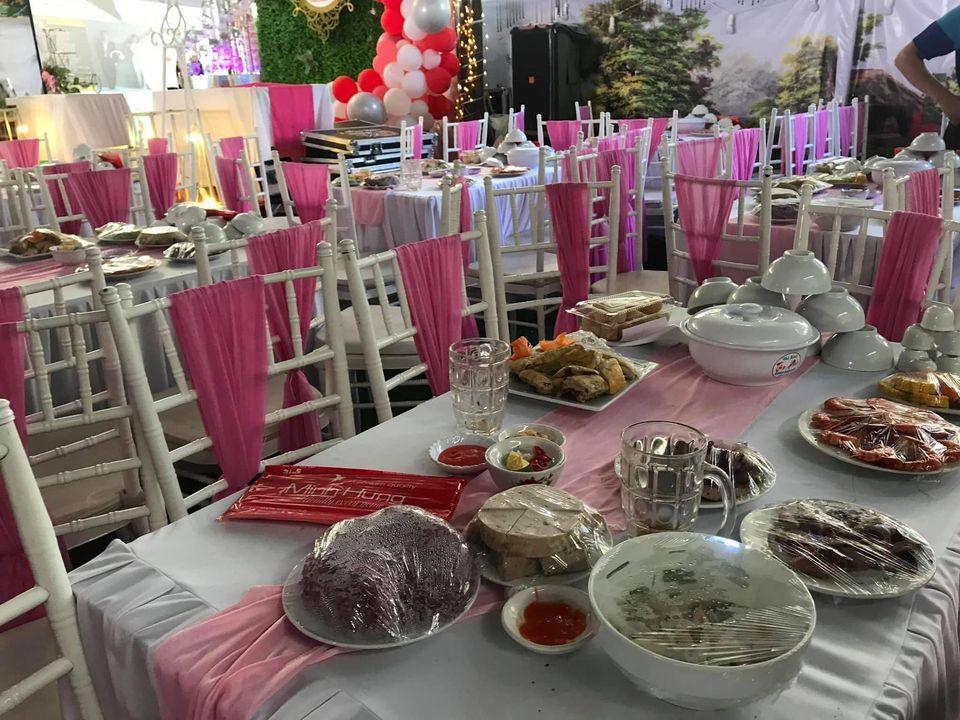Gia cảnh cô dâu 'bùng' 150 mâm cỗ ở Điện Biên: Rất khó khăn, bố mẹ khóc nhiều vì không có tiền trả nợ cho con gái 1