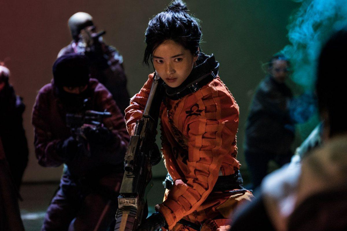Review 'Space Sweepers': Song Joong Ki 'bao ngầu', riêng mạch phim dài  như... 'đường hoa ngày Tết'