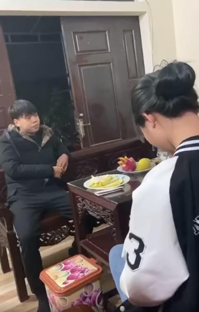 Thanh niên Hà thành mồng 4 Tết đến tận nhà crush đòi quà vì bị từ chối khiến phái nữ 'phát hoảng' 2
