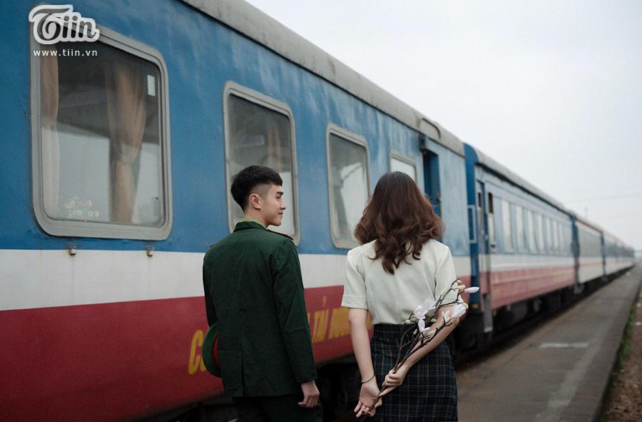 Chuyện tình 'yêu chàng quân nhân' gây sốt: 'Thương em bằng con tim người lính, tình trong ngực và đất nước trên vai' 1