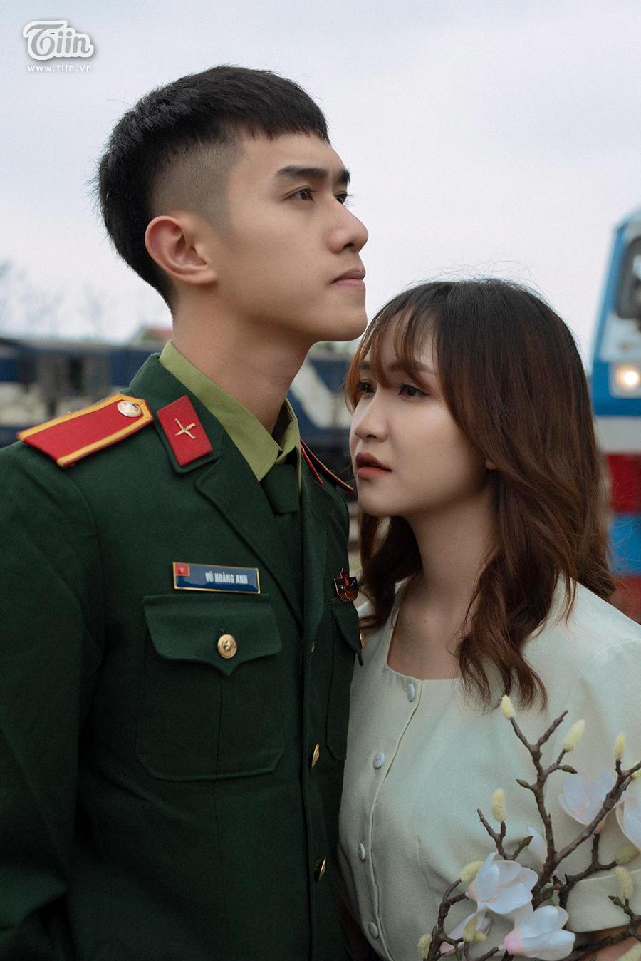Chuyện tình 'yêu chàng quân nhân' gây sốt: 'Thương em bằng con tim người lính, tình trong ngực và đất nước trên vai' 9