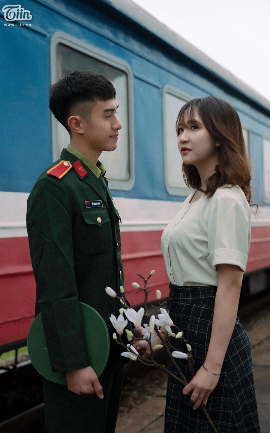 Chuyện tình 'yêu chàng quân nhân' gây sốt: 'Thương em bằng con tim người lính, tình trong ngực và đất nước trên vai' 10