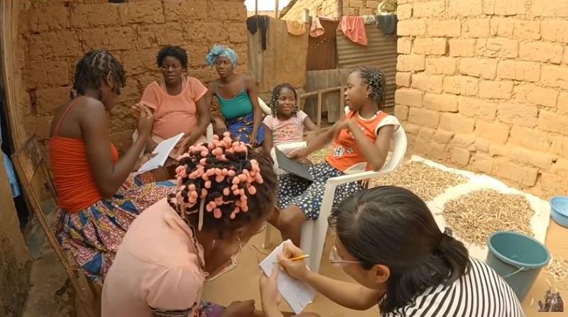 Cuộc sống thú vị ở Châu Phi của vợ chồng bác sĩ người Việt và hành trình dạy trẻ em nơi đây học Toán 6
