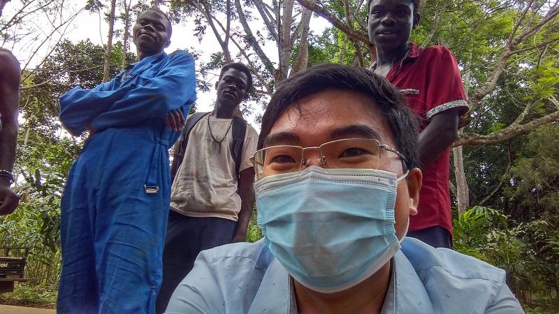 Đối với bác sĩ Quyết những người dân ở đây rất thân thiện, hòa đồng và lành tính.