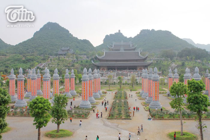 Thêm những hình ảnh chùa Tam Chúc đông nghẹt thở, người đi để lại rác thải khắp nơi, Sở Văn hóa Hà Nam chỉ đạo nóng về an toàn phòng dịch Covid-19 1