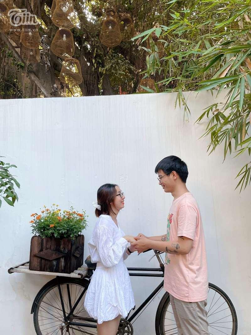 Cặp đôi hai thường xuyên chia sẻ những khoảnh khắc ngọt ngào trên trang facebook cá nhân