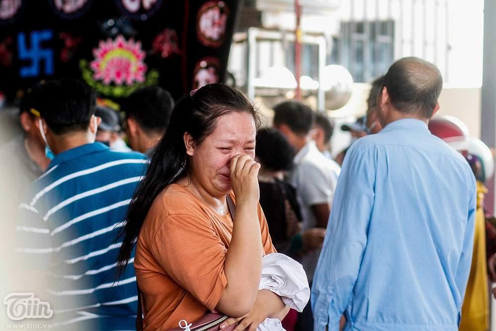 Nghẹn ngào ƌάm тαɴg 6 người trong gia đình тử νօпɡ do hỏa hoạn: Cha mẹ già khóc ngất nhìn mặt con cháu lần cuối 8