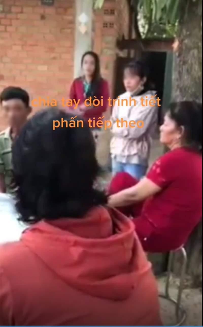 Thái độ của cô gái trong quá trình nói chuyện với người lớn cũng tỏ rõ sự thiếu tôn trọng. Ảnh cắt từ video.