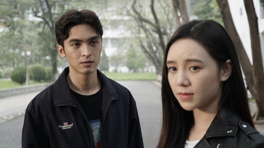 Mối tình giữa Hoàng My (Quỳnh Kool) và Phan (Công Dương) cũng được xem là một điểm sáng của bộ phim.