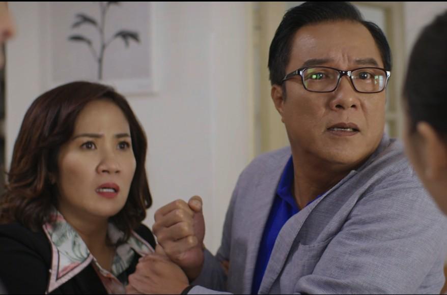 NSND Trọng Trinh vào vai bố của Hoàng My. Anh cho biết, quay cảnh đánh Hà Việt Dũng xong thì bị đau mất 3 ngày.