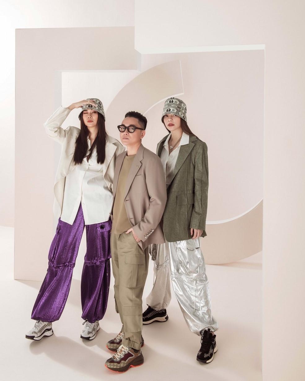 Còn trong nước, hai ngôi sao hạng A Thanh Hằng – Hà Hồ chính là 2 'nàng thơ' suốt bao năm nay của NTK Công Trí.