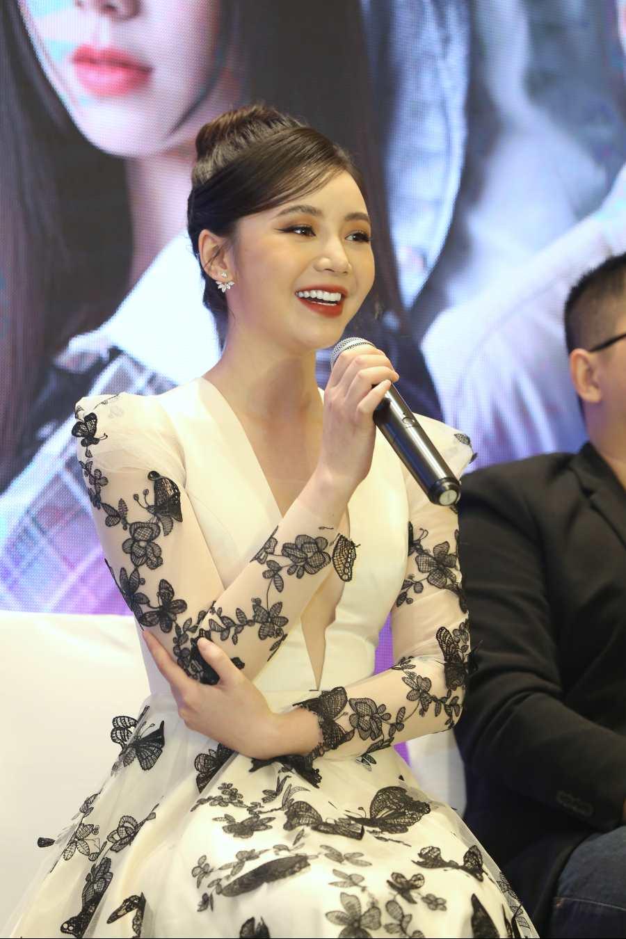 Quỳnh Kool tại buổi họp báo phim Hãy nói lời yêu