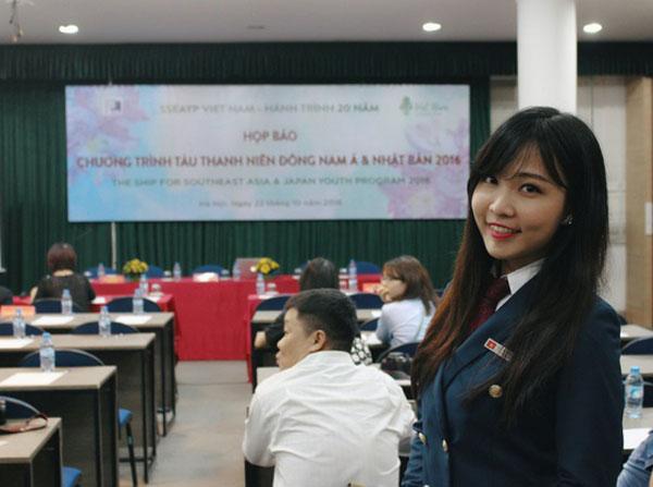 Sinh viên khoa Quốc tế, Đại học Quốc gia Hà Nội tung MV cực chất tặng 'ma mới' 1