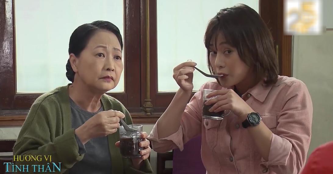 'Hương vị tình thân' trailer tập 18: Bà Bích hứng trọn cốc chè từ bà Dần 0