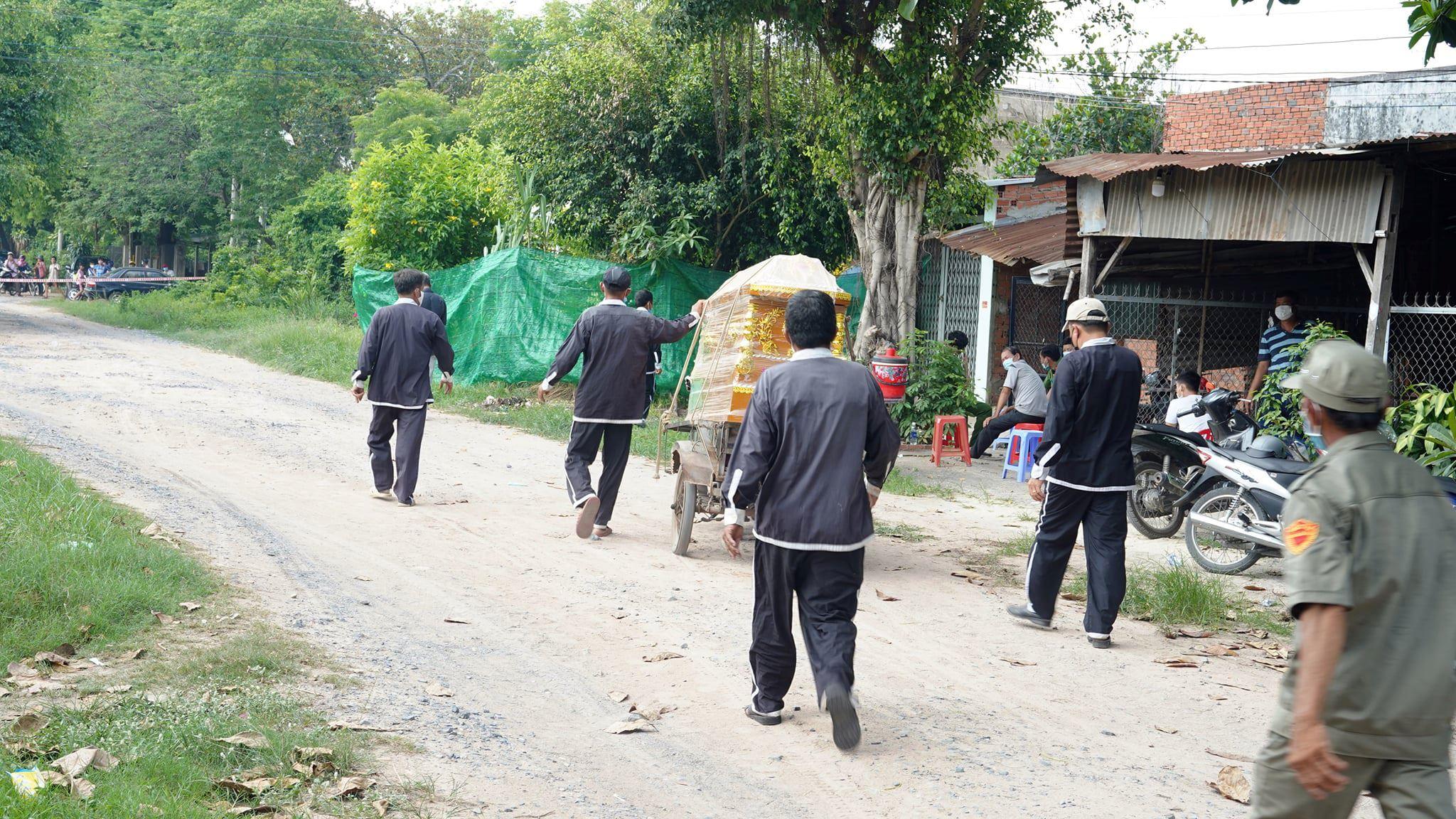 Tây Ninh: Rúng động nghi án con ruột giết cha, dùng dao phân xác đem chôn nhiều nơi trong nhà
