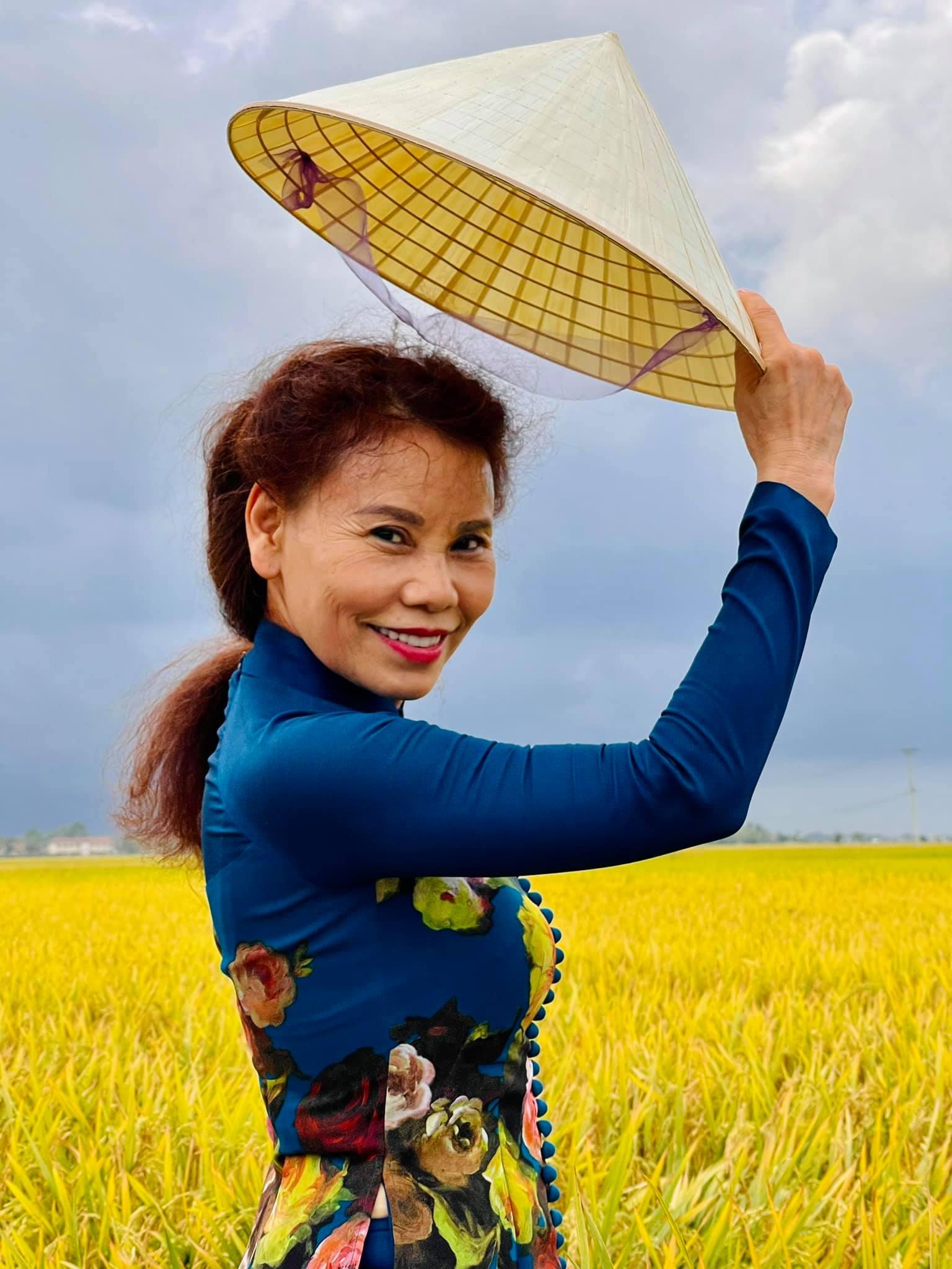 Bà Ngọc Hương - mẹ nữ ca sĩ Hồ Ngọc Hà