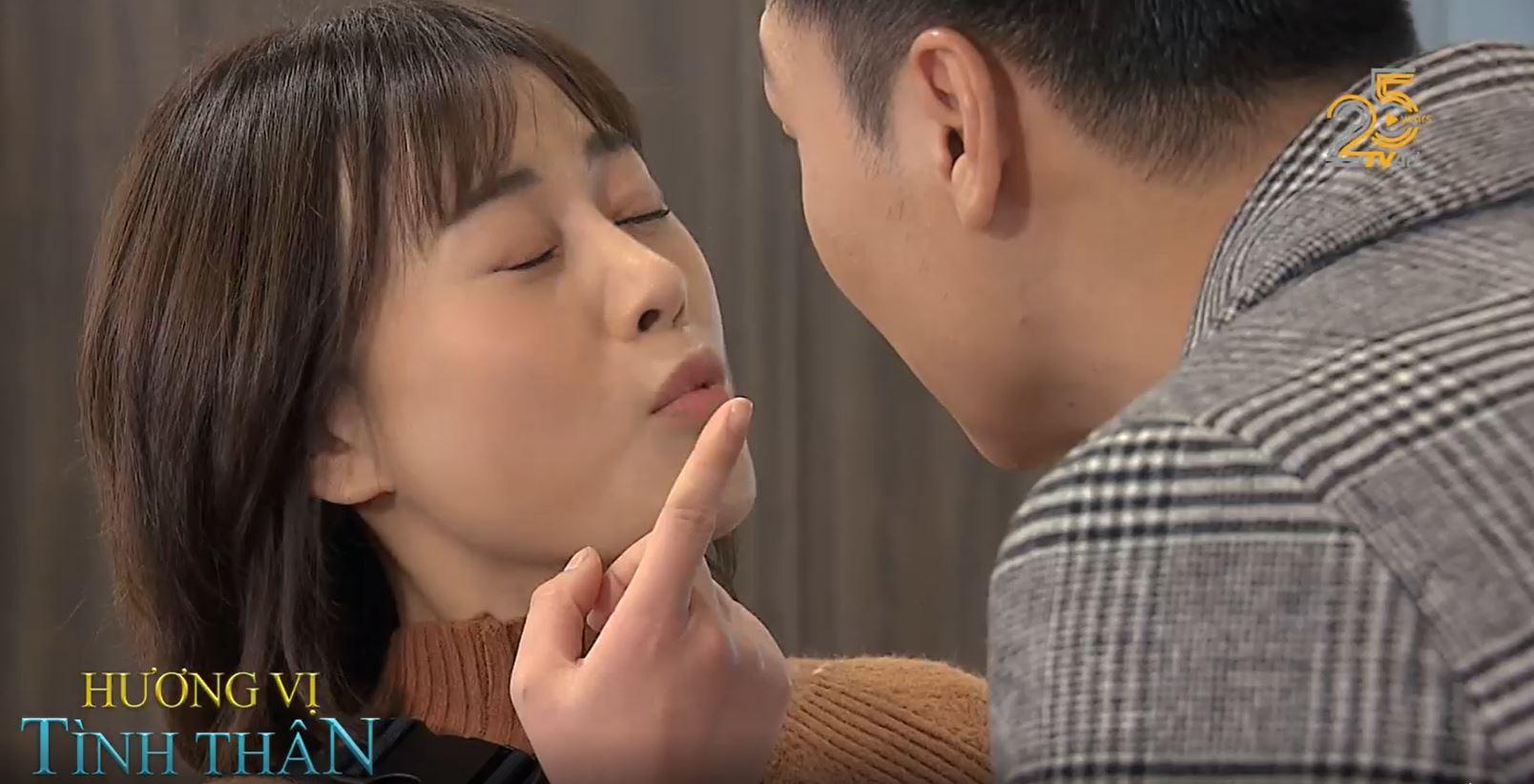 Hương vị tình thân' preview tập 30: Nam bị khán giả chê vô duyên khi phù  hơi vào mặt Long