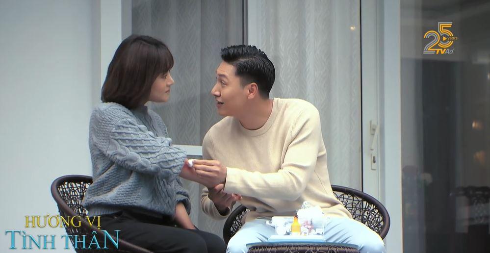 'Hương vị tình thân' preview tập 32: Bà Xuân hốt hoảng khi thấy Long và Nam thân mật 0
