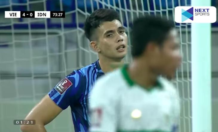 Loạt biểu cảm của thủ thành Indonesia khi Văn Thanh lập siêu phẩm, ấn định chiến thắng 4-0 cho Việt Nam 2