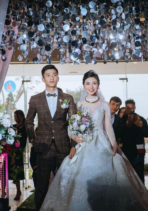 Vợ chồng Phan Văn Đức - Nhật Linh trong ngày cưới