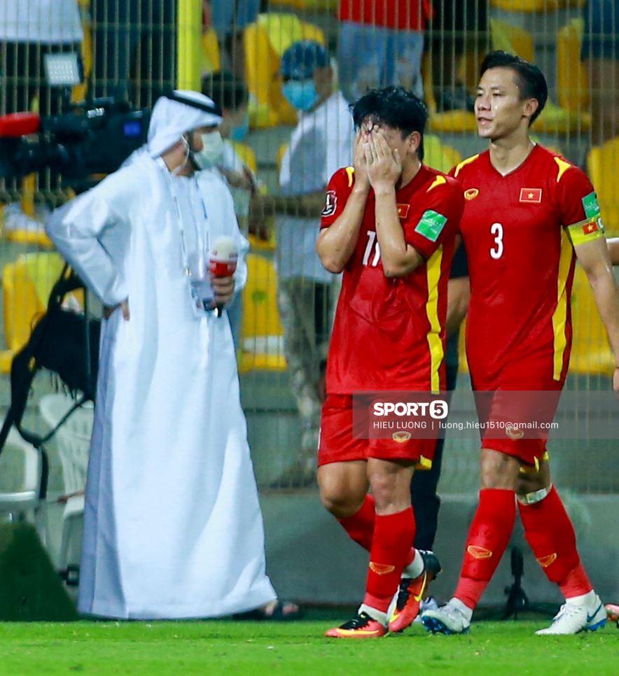 Top khoảnh khắc đẹp trong trận Việt Nam - UAE: Phản ứng Minh Vương khiến tất cả xúc động 12