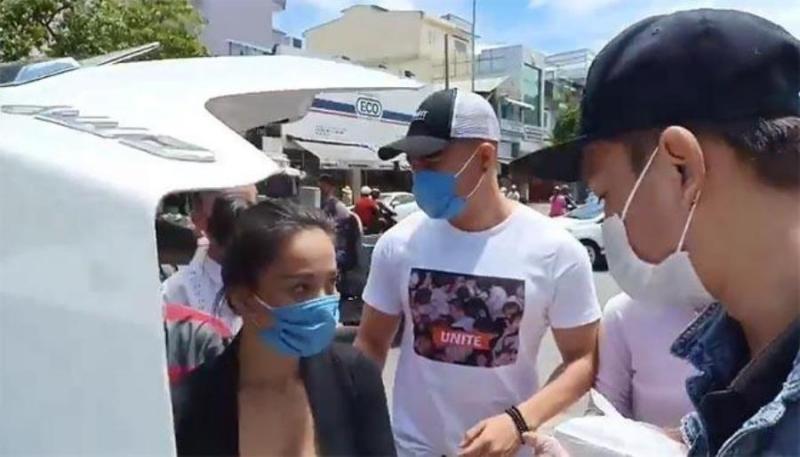 Xôn xao clip Lê Dương Bảo Lâm bị đánh khi phát cơm từ thiện, thực hư ra sao? 4