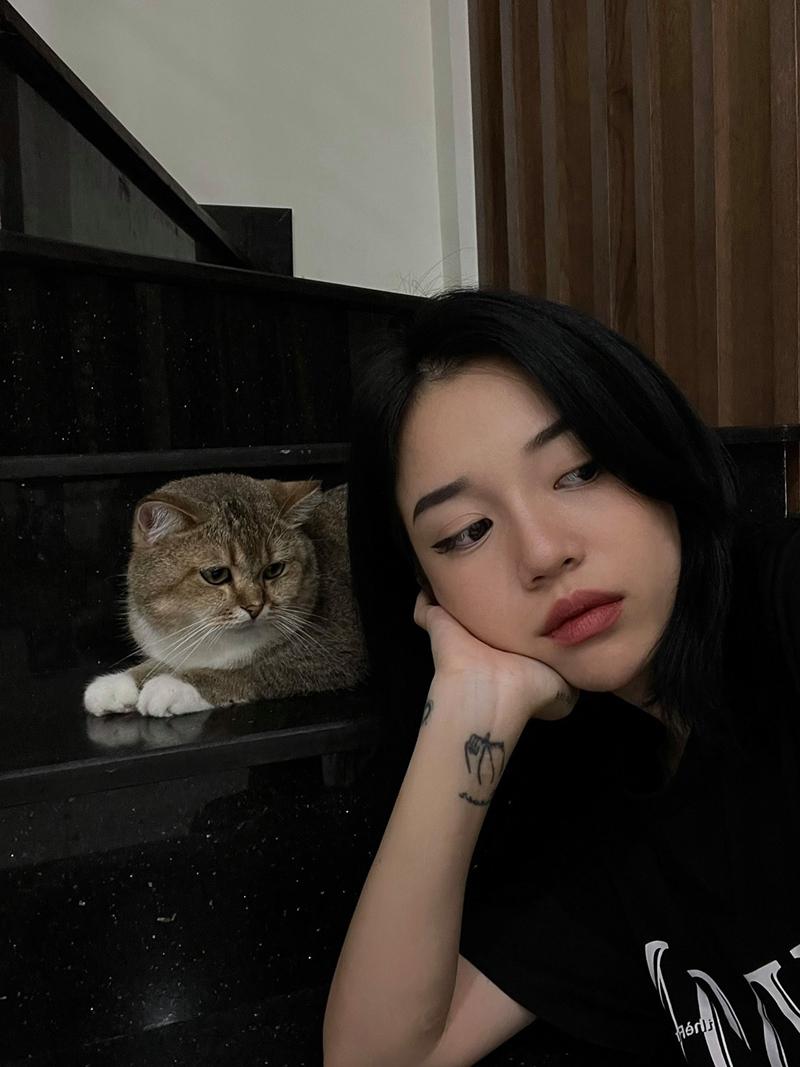 Một số hình ảnh 'cúng' Facebook của Linh Ngọc Đàm trước khi bị xóa