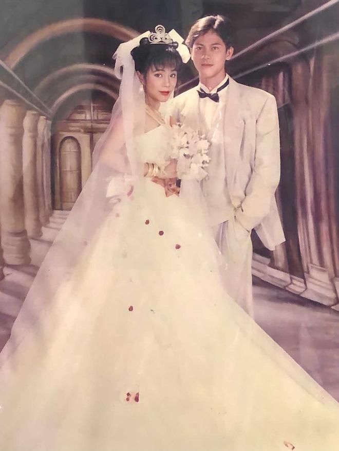Cô gái gây bão khi khoe ảnh cưới của bố mẹ năm 1998: Chú rể 'đẹp như tài tử' và cô dâu như 'mỹ nhân Hồng Kông' 4