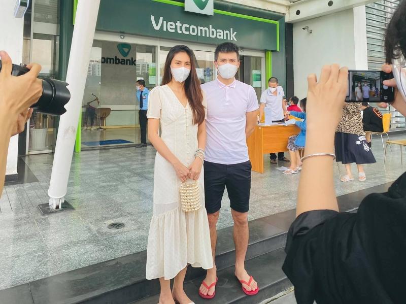 TRỰC TIẾP Thủy Tiên - Công Vinh livestream tại ngân hàng: Công Vinh tuyên bố khởi kiện, dù doAпʜ nhân hay CEO cũng không sợ 7