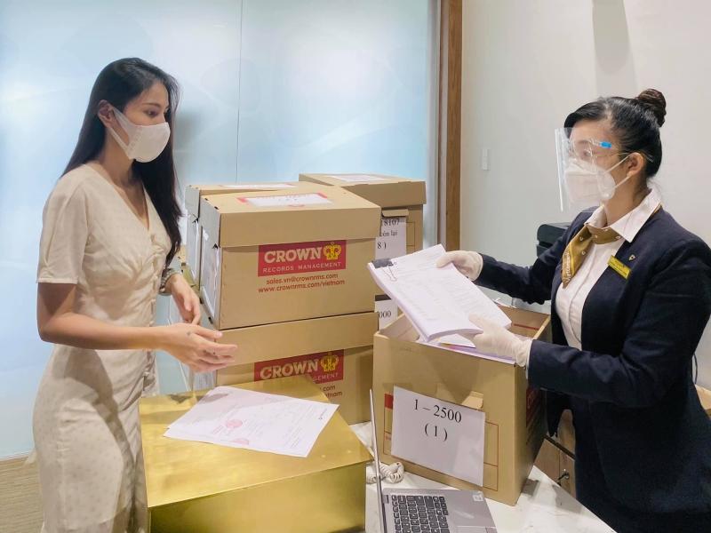 TRỰC TIẾP Thủy Tiên - Công Vinh livestream tại ngân hàng: Công Vinh tuyên bố khởi kiện, dù doAпʜ nhân hay CEO cũng không sợ 5