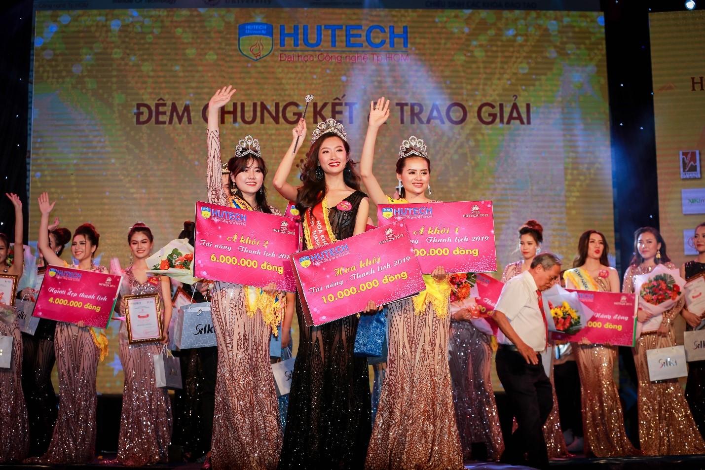 Thanh Khoa giành vương miện Hoa khôi Miss HUTECH 2019 trước khi đăng quang Hoa hậu Sinh viên Thế giới cùng năm
