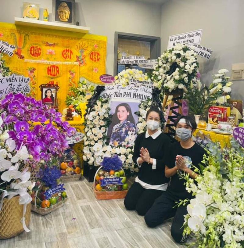Lễ viếng Phi Nhung ngày 2/10: Nhật Kim Anh đến thắp hương sau ồn ào tiền phúng điếu 4