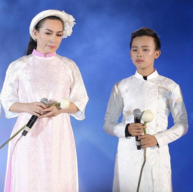 Phi Nhung và Hồ Văn Cường.