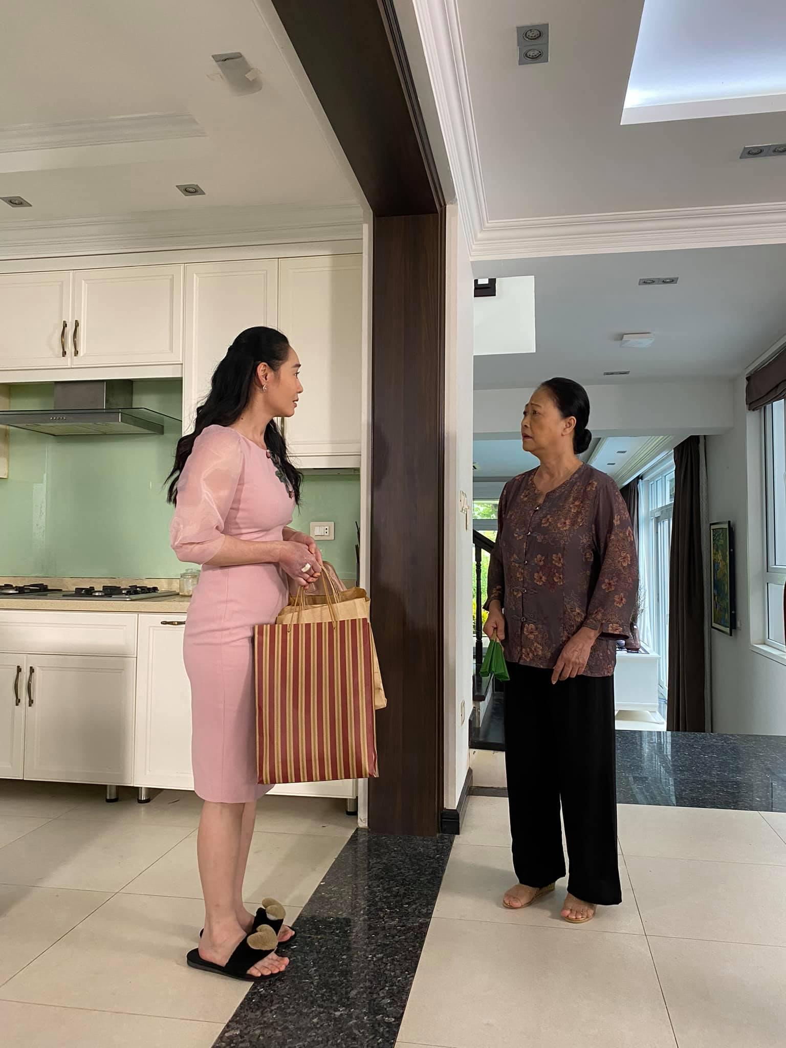 'Hương vị tình thân': Bà Xuân hạnh phúc khi 30 năm làm dâu được mẹ chồng gọi 'con' xưng 'mẹ' 4