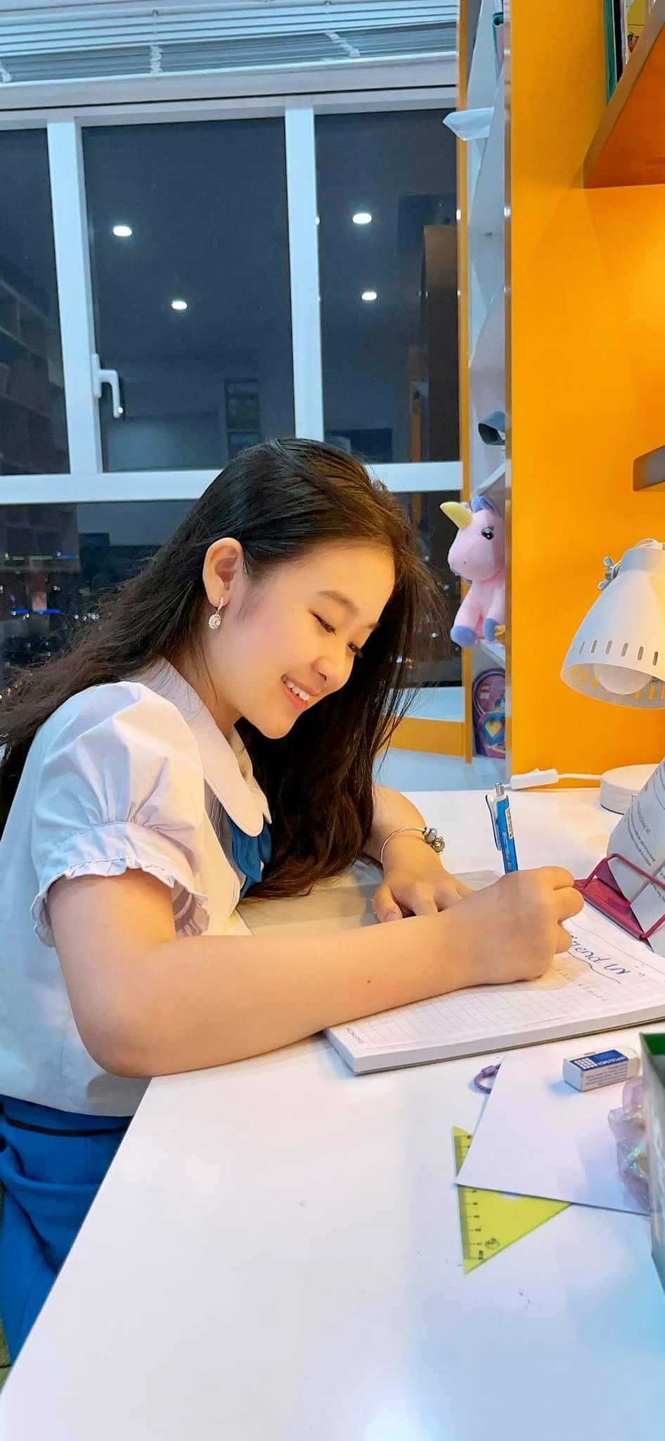 Cô bé Hoa khôi nhí Tây đô 13 tuổi mua chung cư cao cấp cả tỷ đồng ở Sài Gòn tặng mẹ 0