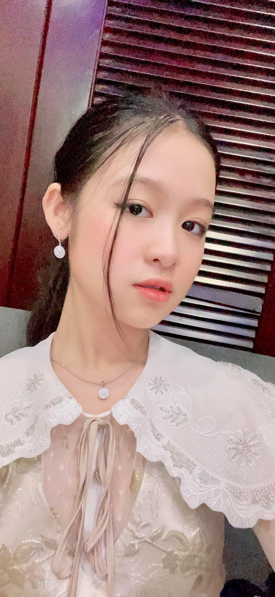 Cô bé Hoa khôi nhí Tây đô 13 tuổi mua chung cư cao cấp cả tỷ đồng ở Sài Gòn tặng mẹ 3
