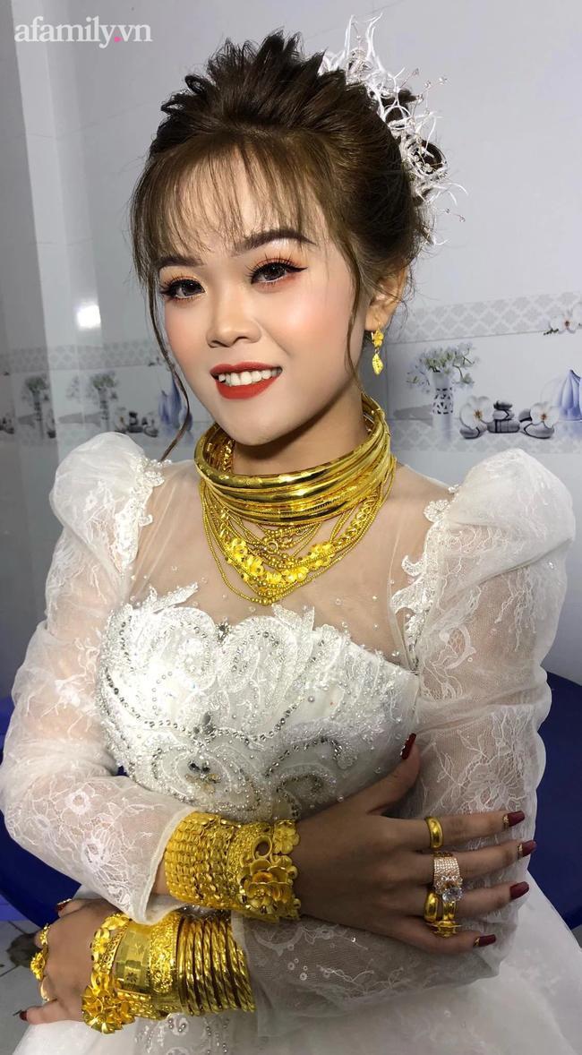 Cô dâu 18 tuổi được tặng 20 cây vàng đeo trĩu người gây bão: Tiết lộ thêm về khoản tiền mặt bố mẹ chồng cho thêm ở đám cưới! 2