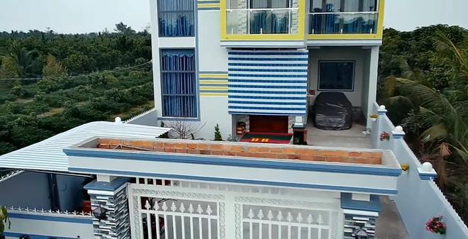 Cận cảnh nhà mới xây của Hoài Lâm tại Vĩnh Long, cách nhà vợ Vân Quang Long 400 mét 3