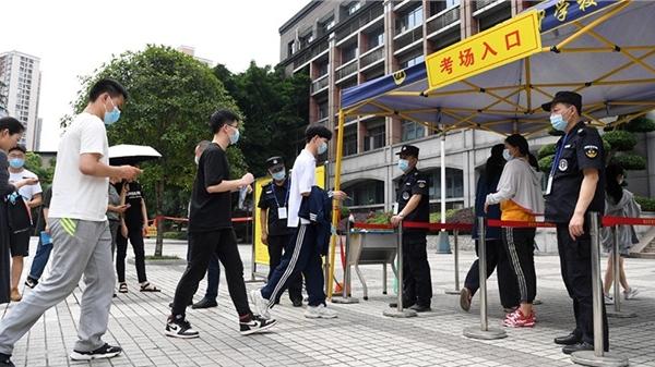 Gần 11 triệu học sinh lớp 12 Trung Quốc bước vào 'Gaokao' – kỳ thi Tuyển sinh đại học khốc liệt nhất thế giới